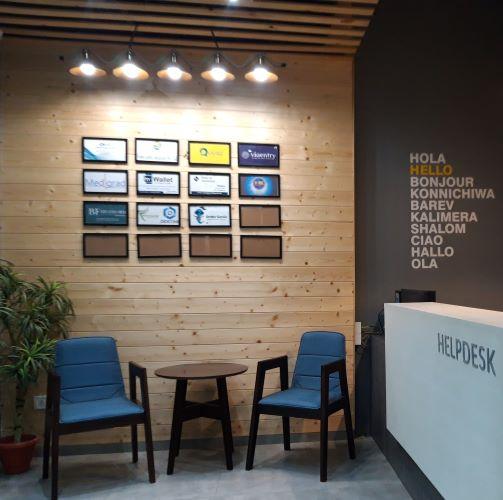 eternitydesigners-portfolio-officeinteriors-coworking-reception3